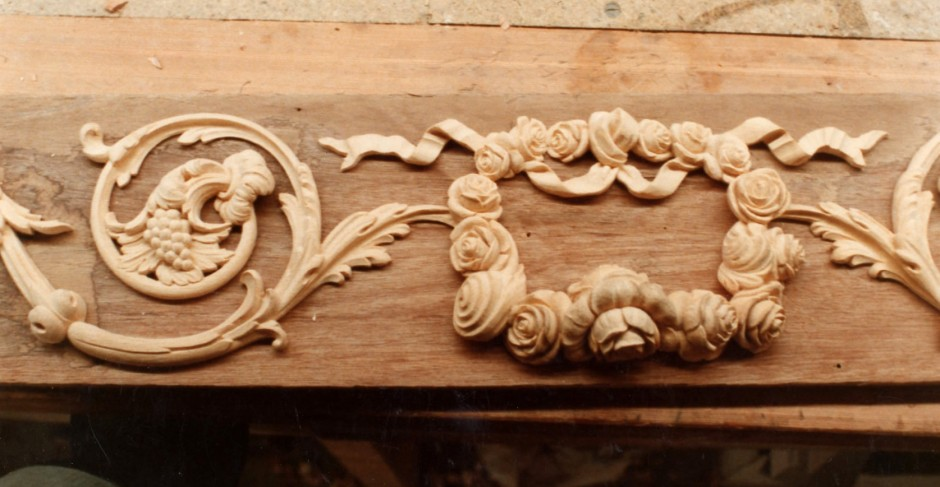 Central section of the overdoor frieze - overdoor frieze spencer house jose carving