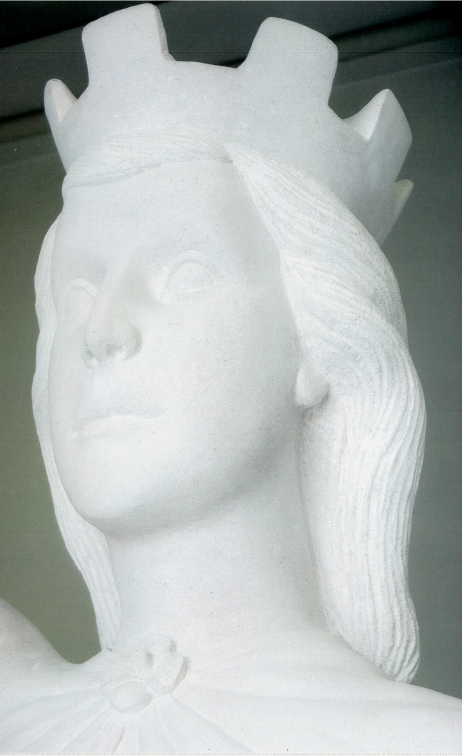 Close up of the statue head and face - statue head nike horndean