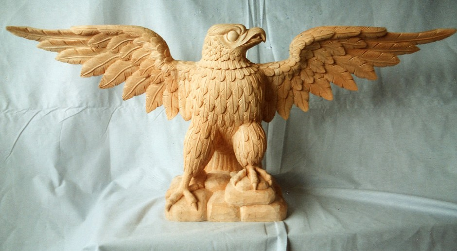 Eagle with open wings - front view - eagle golden front view wood carving