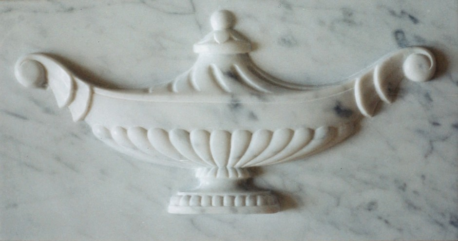 Urn centre piece in marble - marble fireplace, fire surround, marble, carving